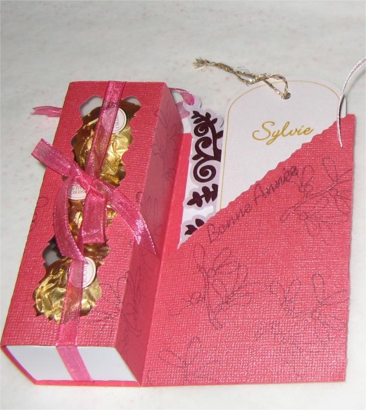 je recherche cette jolie carte boite avec chocolat CarteCadeauRocher